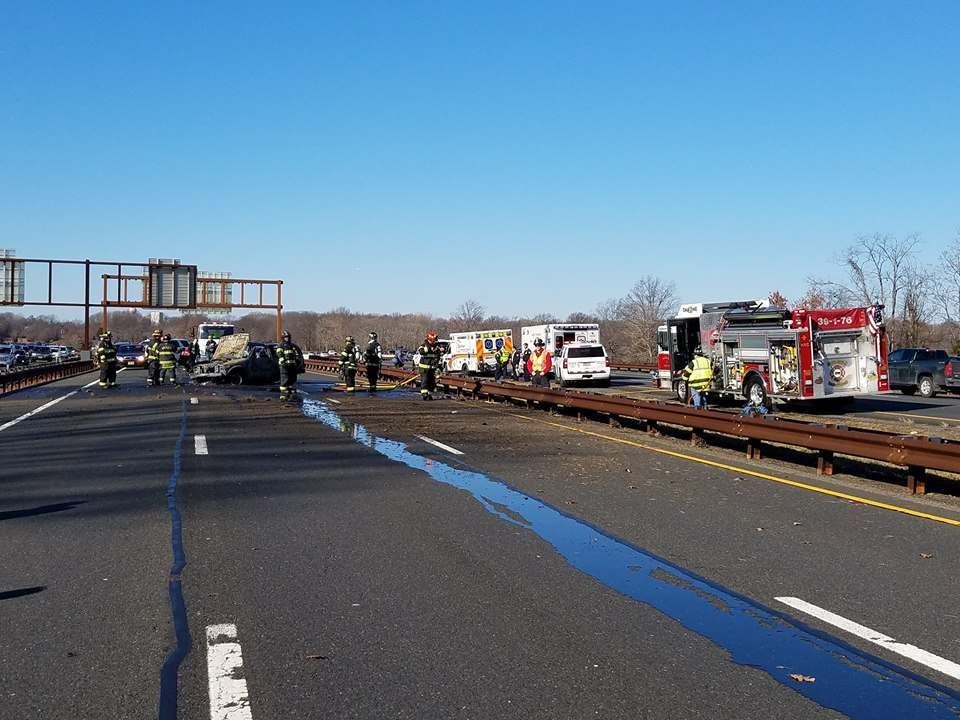 39 Terrible 39 Fiery Parkway Crash 39 Burnt 39 Car Flips Catches Fire Video Toms River Nj Patch
