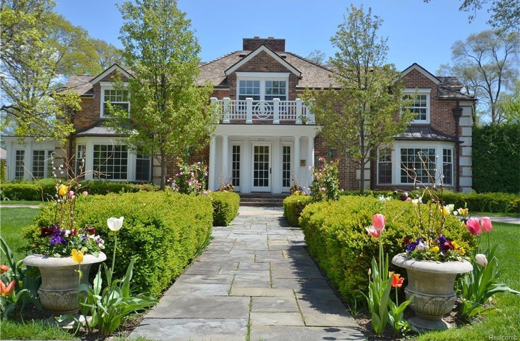 michigan wow houses spa comforts fabulous views