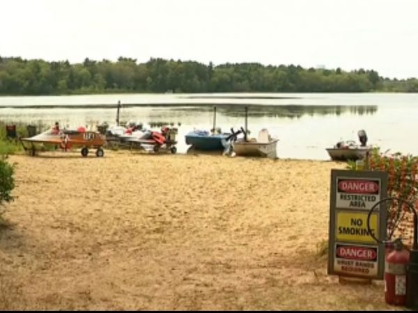 Speed boat crash in Massachusetts leaves 1 dead, 1 critical