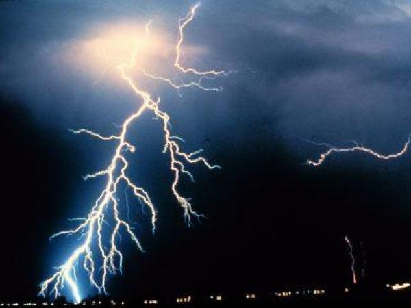 5-year-old dies after being struck by lightning
