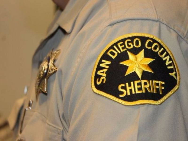 Sheriff's Deputy Accidentally Shot By Federal Agent ...