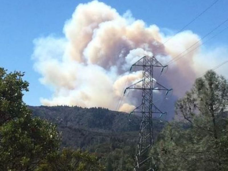 Sawmill Fire Crews Battle 300 Acre Brush Fire In Sonoma