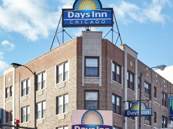 Days inn to become a 39 boutique 39 hotel lincoln park il patch for Boutique hotels chicago north side