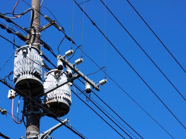 California power grid braces for heat wave, blackout potential
