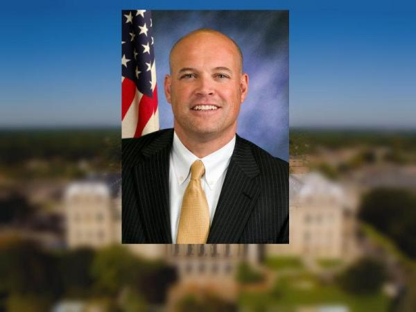 IL lawmaker resigns, citing 'cyber security issues'