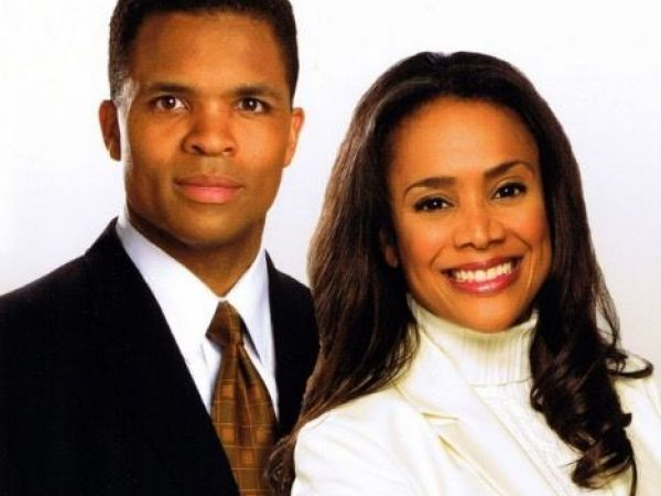 Wife of ex-US Rep. Jesse Jackson Jr. leaves prison camp