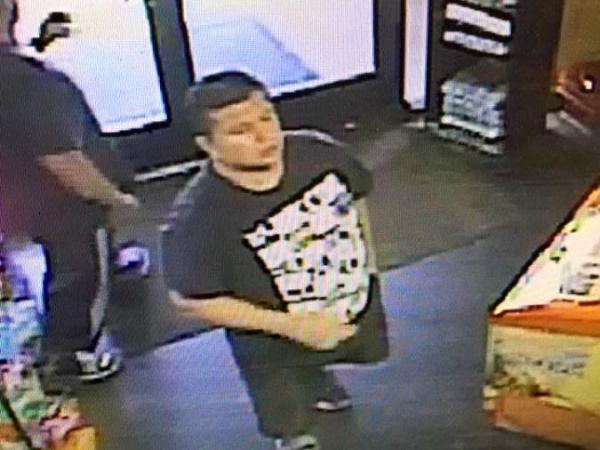 Police Seek Suspect Who Took 6 000 Nikon Camera From