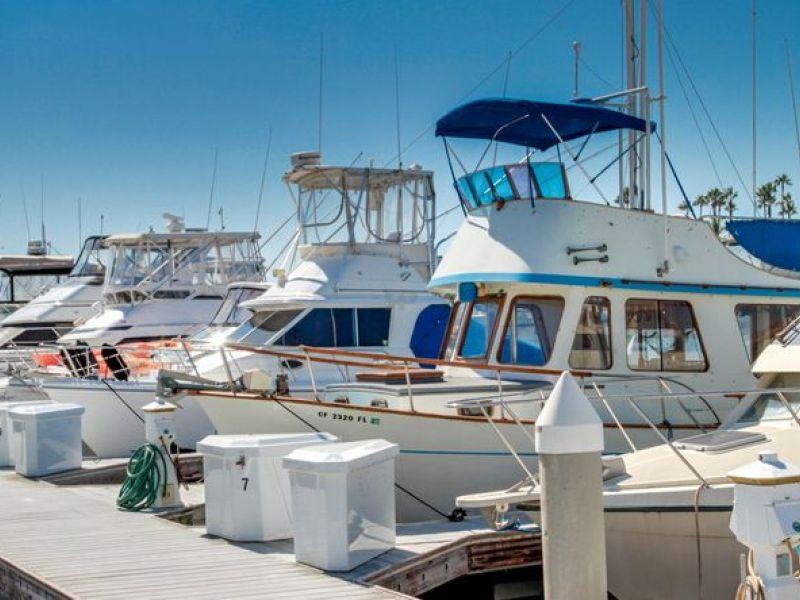 Huntington beach marina rated 1 on west coast by visitors for King s fish house huntington beach