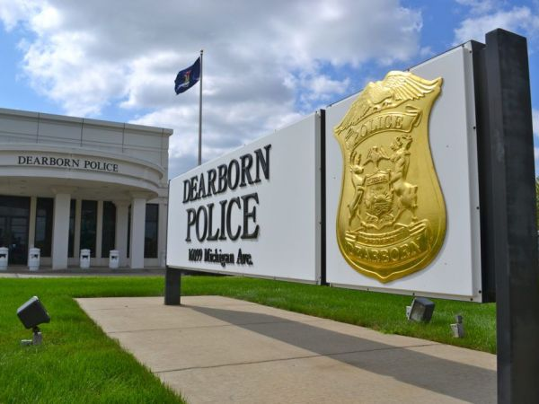 Dearborn police officer facing criminal sexual conduct charges