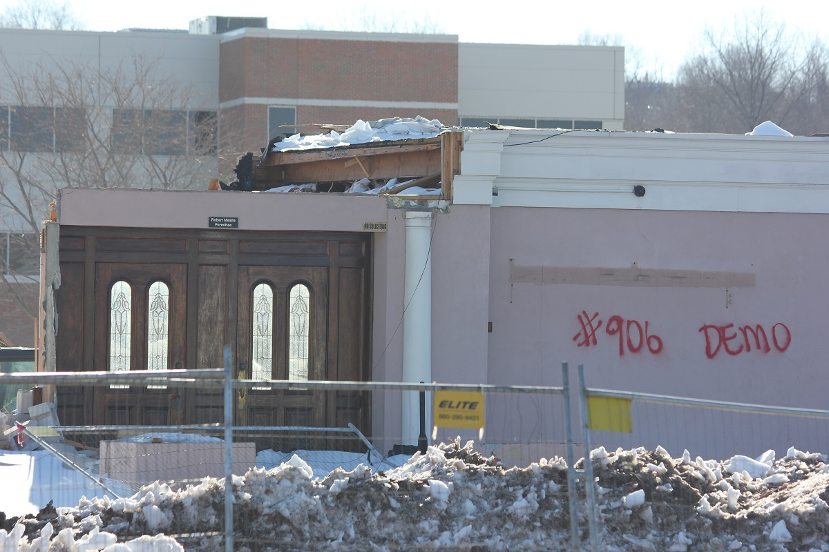 Demolition of villa capri in wallingford almost complete for Villa capri