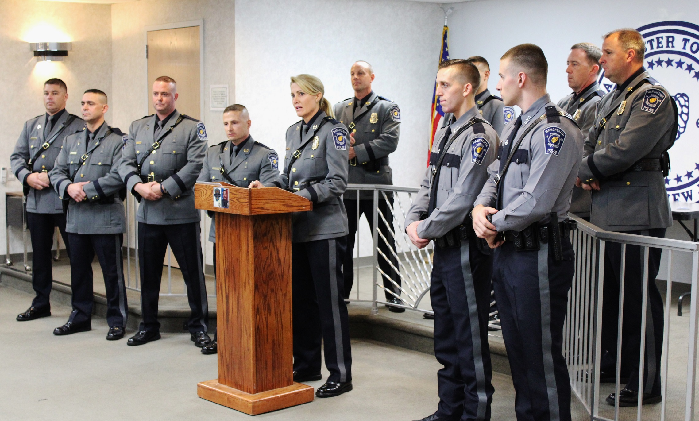 manchester police promote 4 welcome 2 new officers manchester