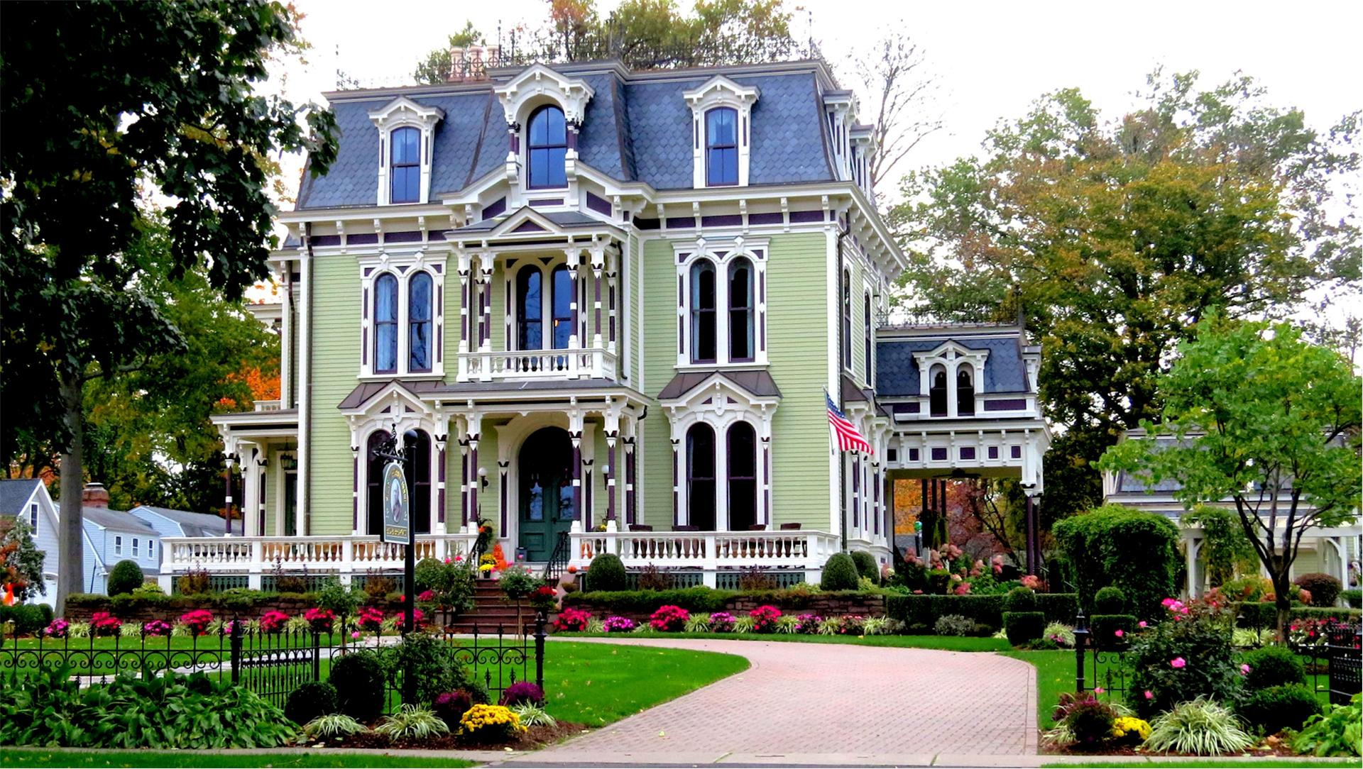 Wow House 2 2m Victorian Style Home Built In 1870