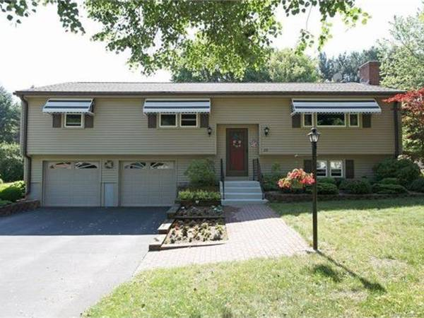 Recently-Sold Homes In and Near Windsor