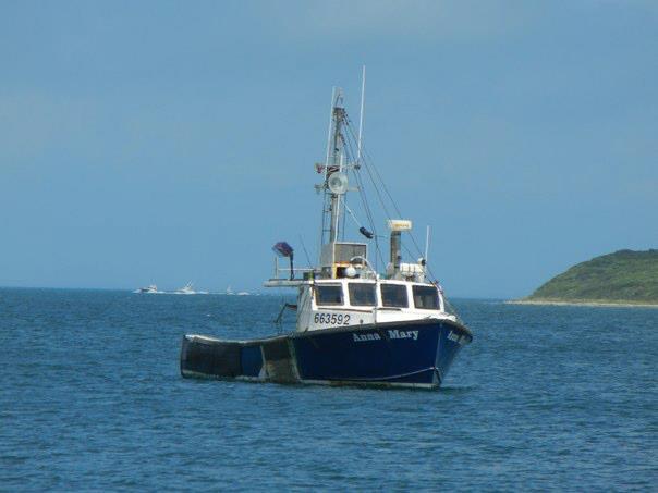 Long Island Lobsterman Falls Into Sea