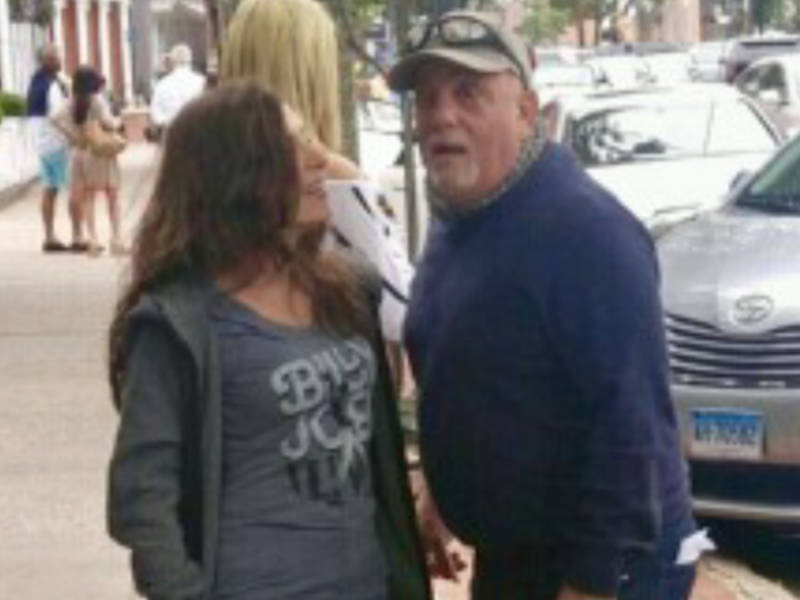 Billy Joel Brightens Woman S Day In Sag Harbor East