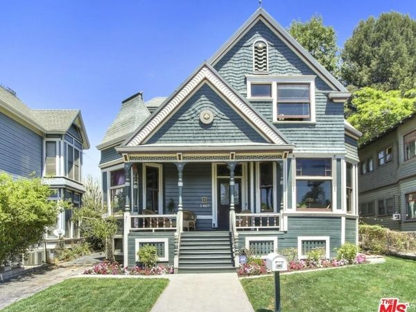 californias storied largest home could be yours for 200 million - Largest Tiny House