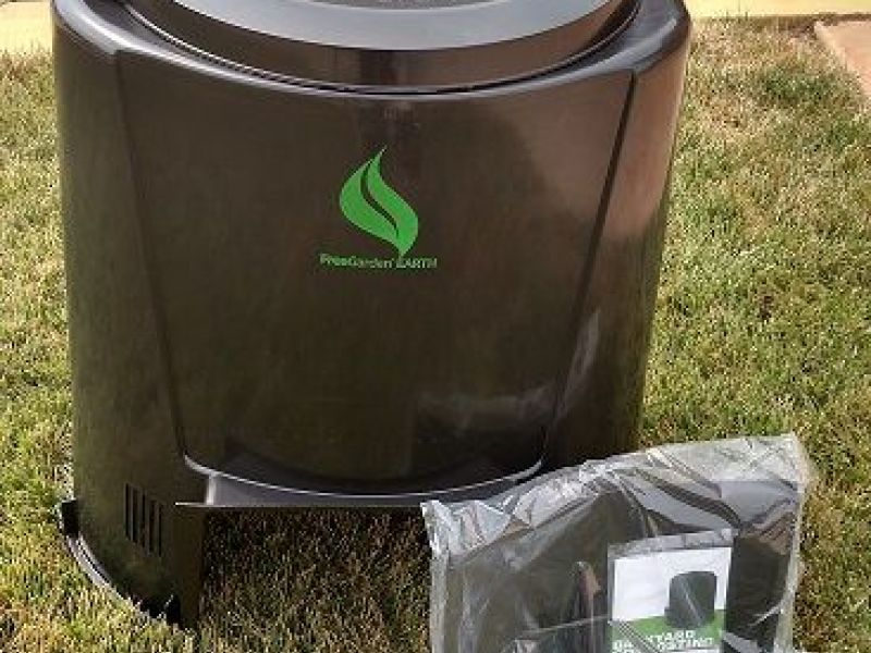 20 compost bins available at bowie city hall