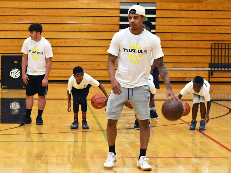 79df8a3ec Phoenix Suns Player Tyler Ulis Begins Foundation To Help Others-0 .