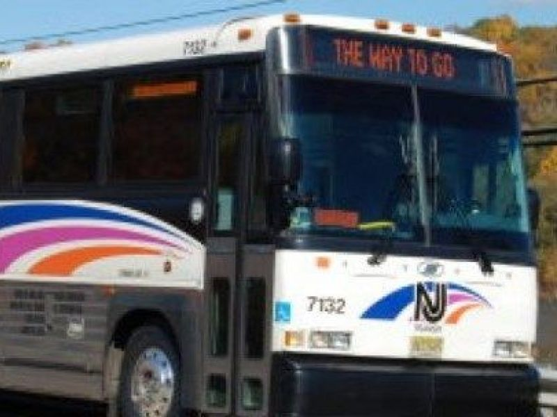 NJ Transit Passenger Leaps Out Bus Door Bashes Head: Authorities & NJ Transit Passenger Leaps Out Bus Door Bashes Head: Authorities ... Pezcame.Com