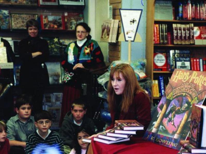 ##TXT## Jk Rowling New York Book Signing. Repeal SIEMPRE Leidner October Nueva Guevara Febrero