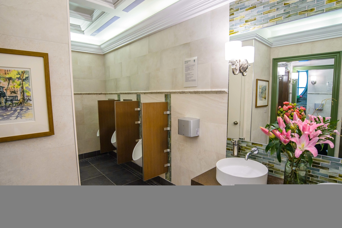 NYCs Poshest Potty Reopens After 300K Makeover Midtown
