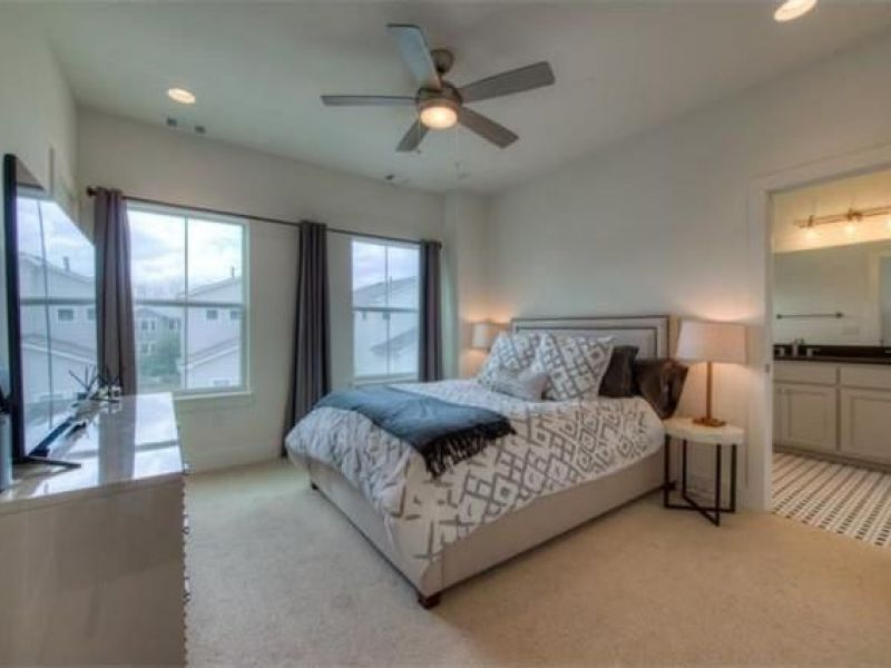 Living The Hip East Austin Townhouse Life Can Be Had With Wow! Houses Galore