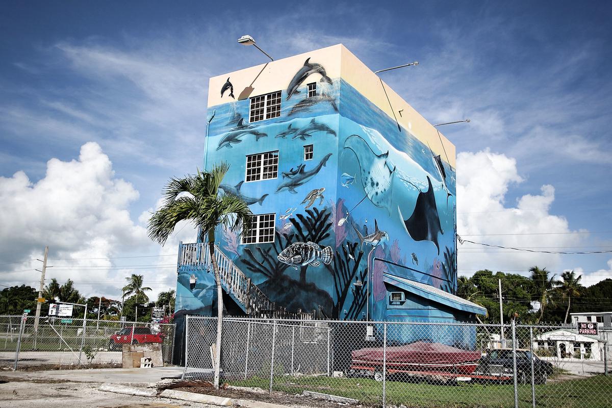Artist Wyland S Florida Keys Home In Irma S Path Laguna