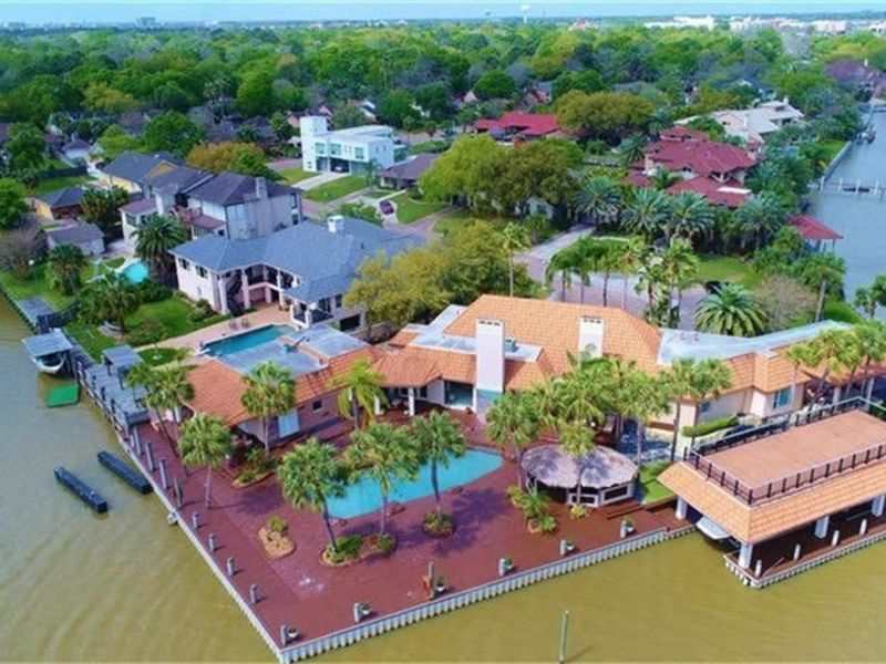 house check out the top 5 luxury homes in greater houston