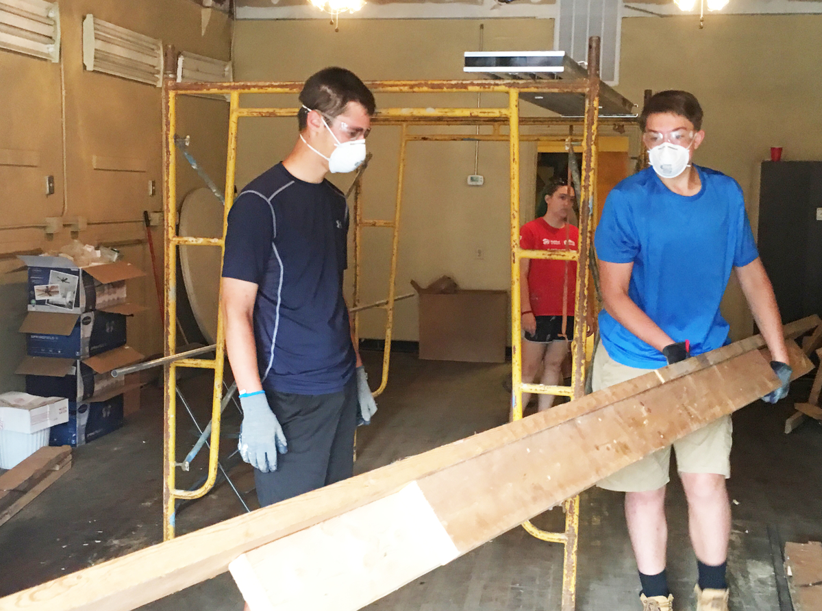 devon prep students aid tennessee habitat for humanity chapter