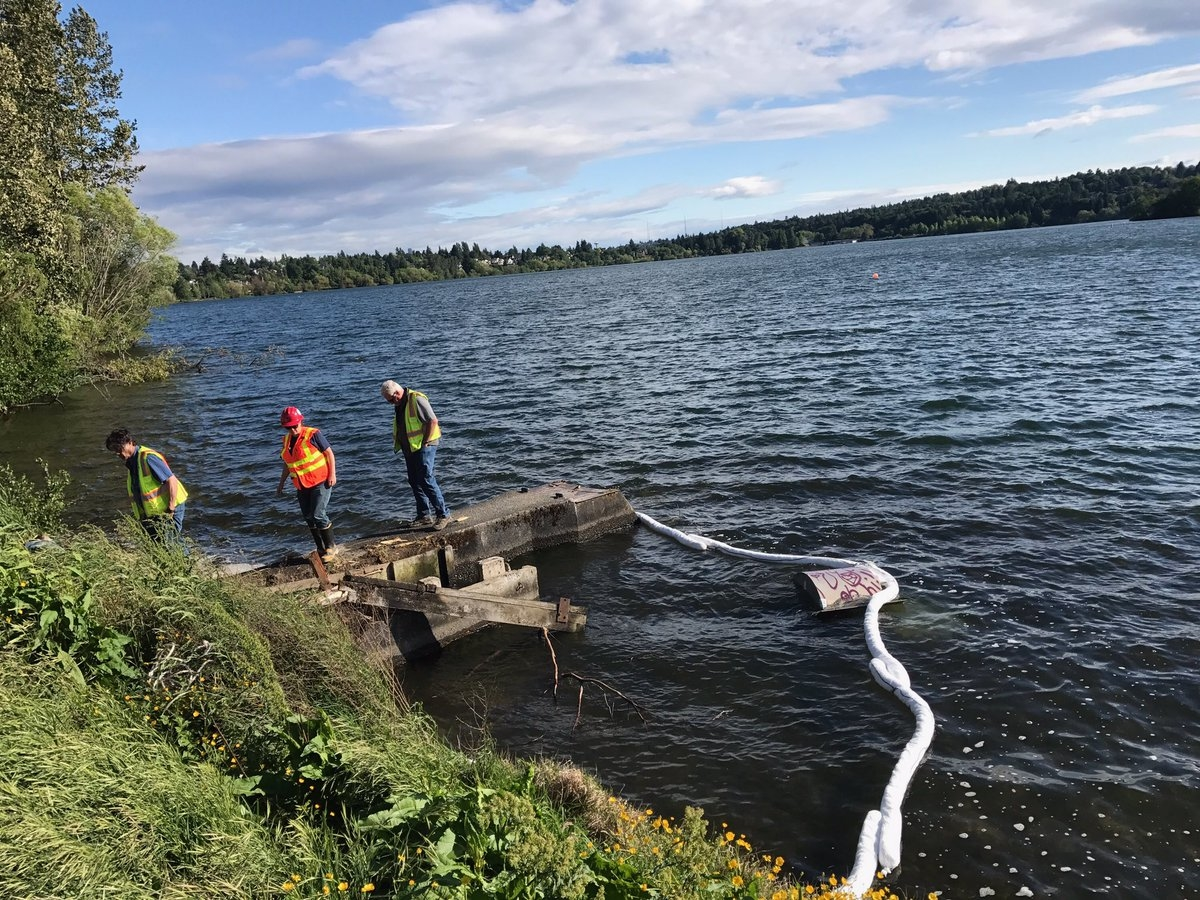 Whoops seattle parks truck falls into green lake seattle wa patch state crews deployed a boom to contain any spilled oil or gas but there was none looks like the pickup was only able to get its toes rear tire wet ccuart Image collections