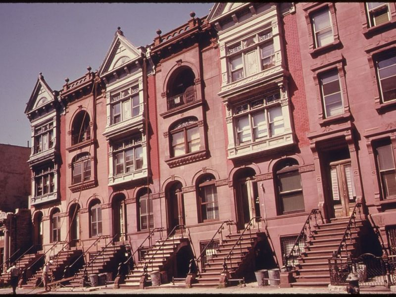 Bed stuy is the backdrop for new music video 39 thunder for Buy house in brooklyn