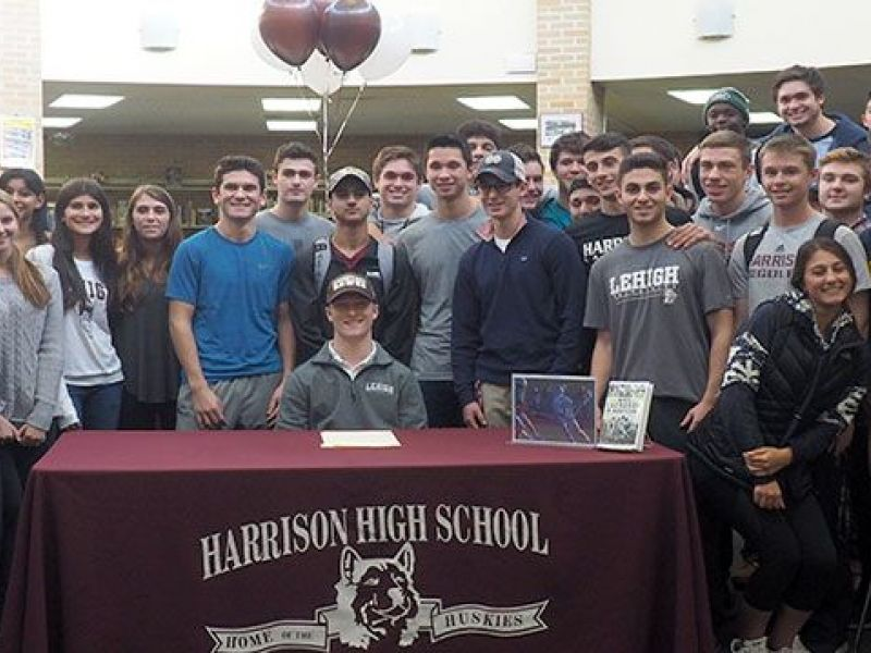 Hhs Senior Matt Mclaughlin Signs National Letter Of Intent